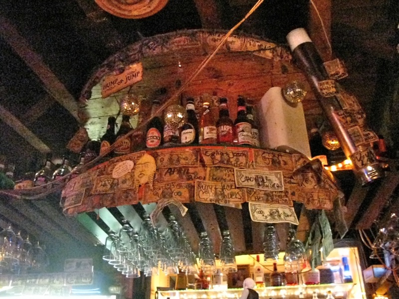 Chuck's Bar, Savannah