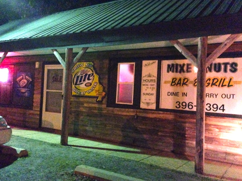 Mixed Nuts Bar & Grill, Risco