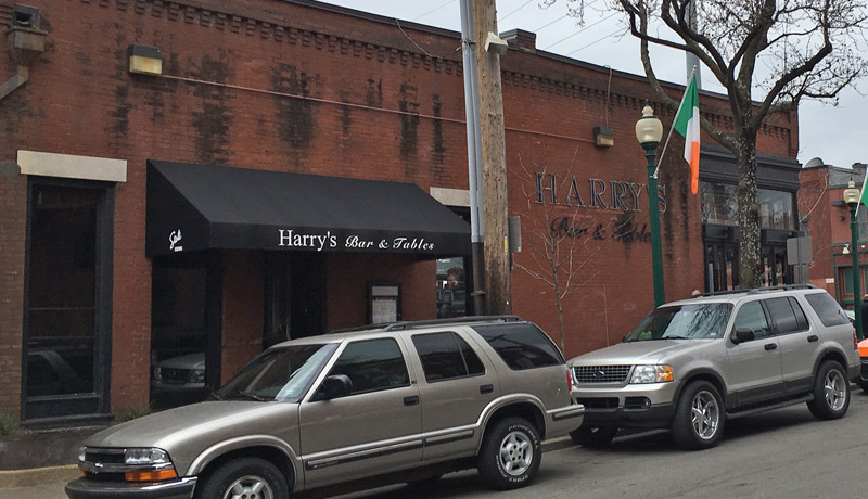 Harry's Bar and Tables, Kansas City