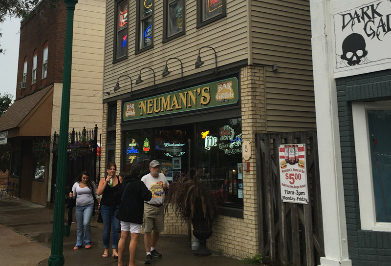 Neumann's Bar, North St. Paul