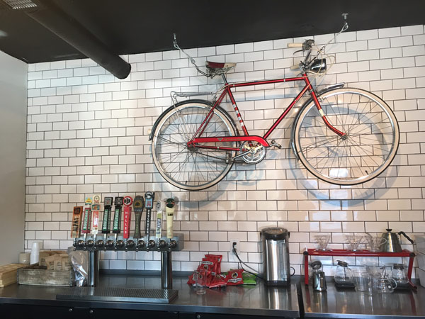 Velo Garage & Tap House, North Kansas City