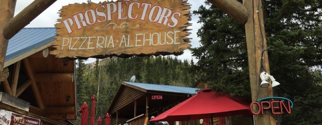 (Denali, AK) Scooter's 1244th bar, first visited in 2018. In addition to a great pizza, I had Chuli Stout by Denali Brewing Company, High Ridge (red Ale) by Arkose Brewery,...