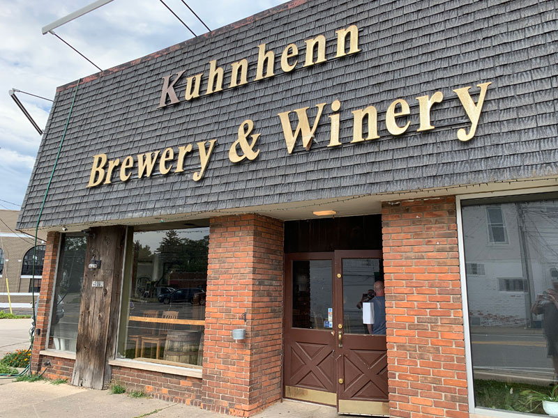 Kuhnhenn Brewery & Winery, Warren