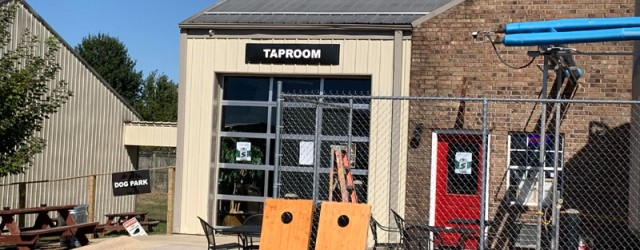 (Springdale, AR) Scooter's 1406th bar, first visited in 2019. This dog-loving brewery with a dachshund mascot is easy to find, not so easy is noticing which door is the main...