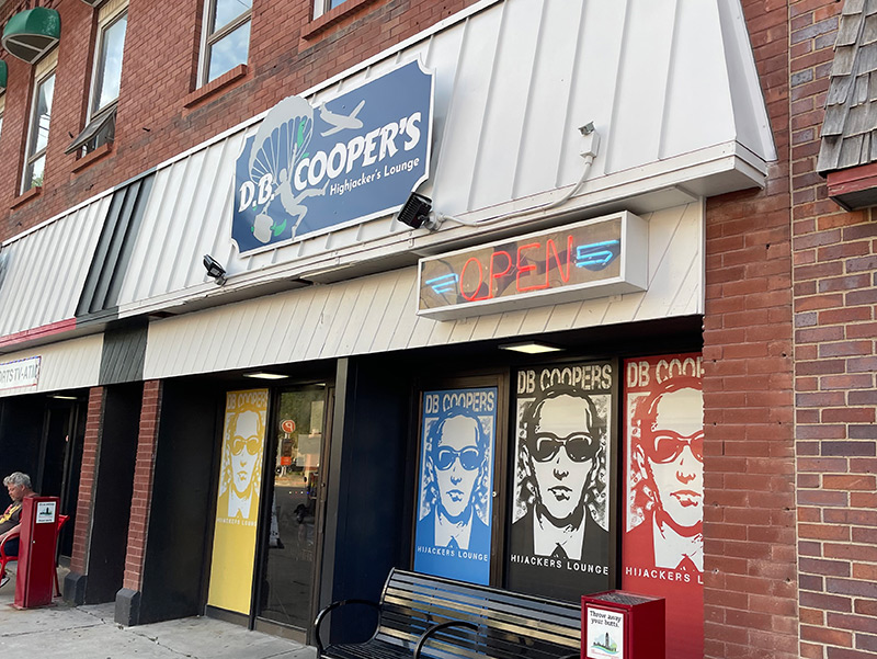 D.B. Cooper's Hijackers Lounge, Lincoln